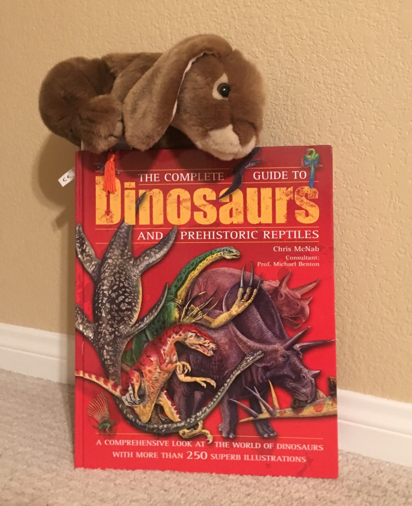 Caramel reviews The Complete Guide to Dinosaurs and Prehistoric Reptiles by Chris McNab.