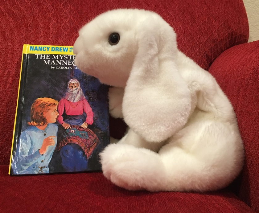 Marshmallow rates The Mysterious Mannequin by Carolyn Keene (Book #47 of Nancy Drew Detective Stories) 95%.