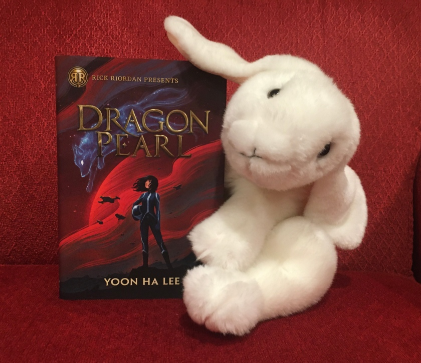 Marshmallow rates Dragon Pearl by Yoon Ha Lee 90%.
