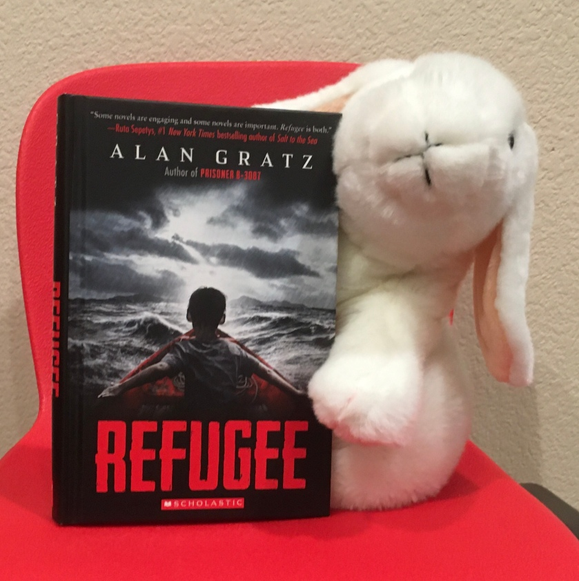 Marshmallow reviews Refugee by Alan Gratz.