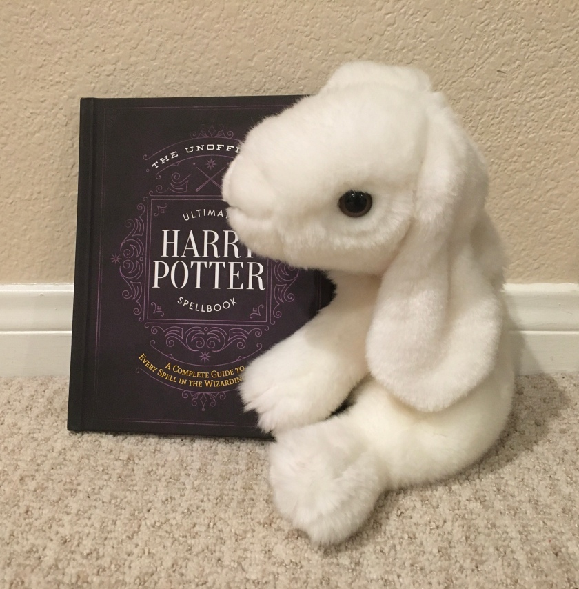 Marshmallow rates The Unofficial Ultimate Harry Potter Spellbook: A Complete Guide to Every Spell in the Wizarding World, by Media Lab Books, 100%.