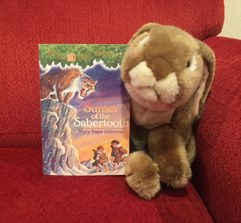Caramel reviews Sunset of the Sabertooth (Magic Tree House #7) by Mary Pope Osborne.
