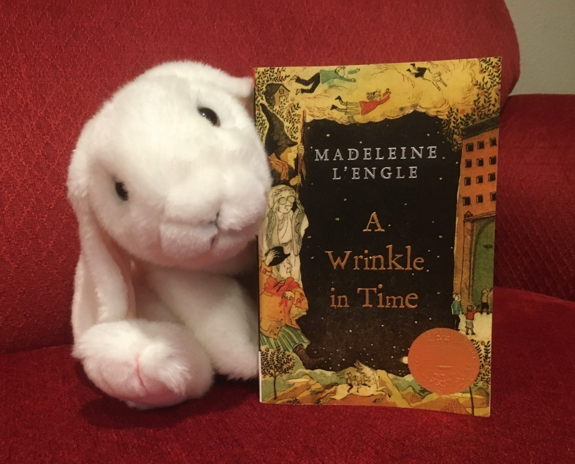 Marshmallow reviews A Wrinkle in Time by Madeleine L'Engle.