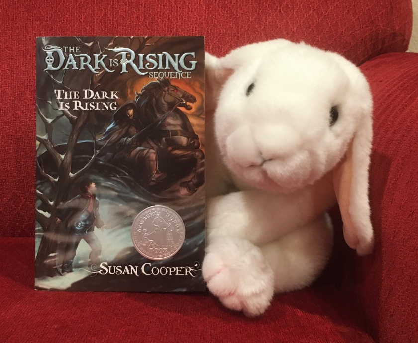 Marshmallow reviews The Dark Is Rising by Susan Cooper.