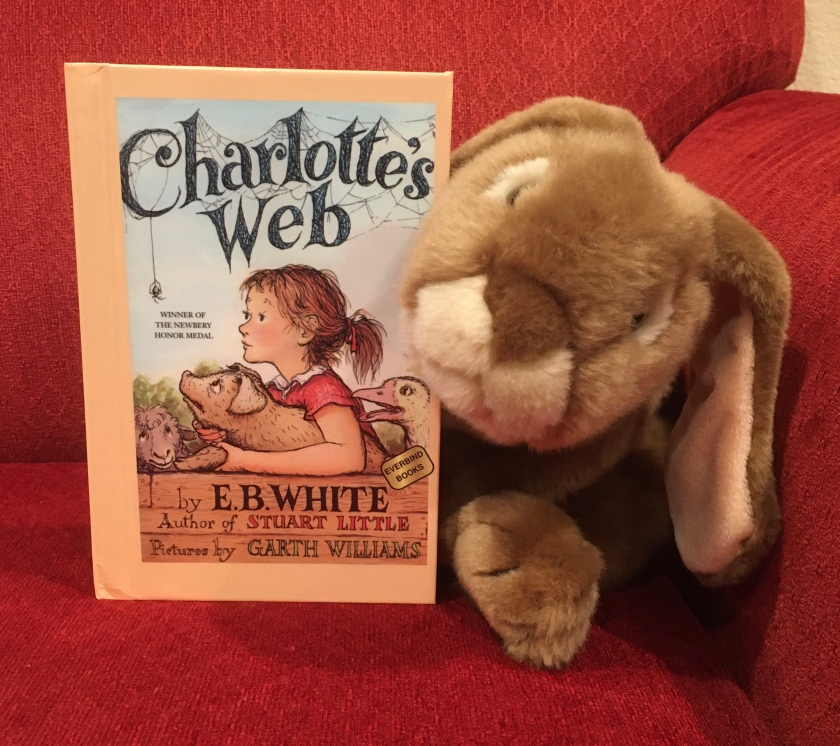 Caramel reviews Charlotte's Web, a classic from 1952, written by E.B. White and illustrated by Garth Williams.