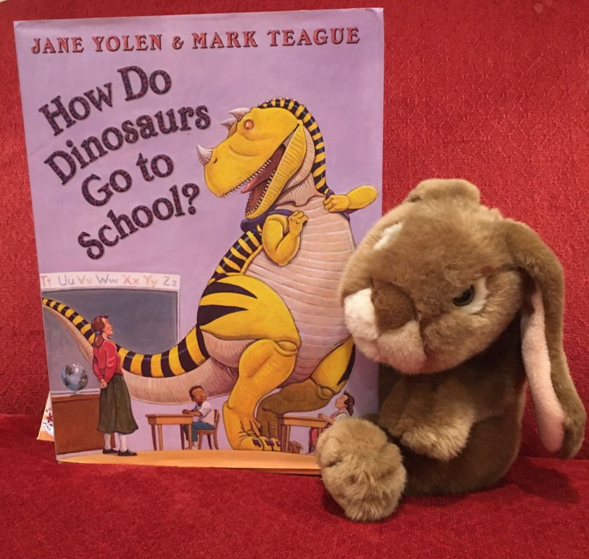 Caramel reviews How Do Dinosaurs Go To School? (2007),  written by Jane Yolen and illustrated by Mark Teague.