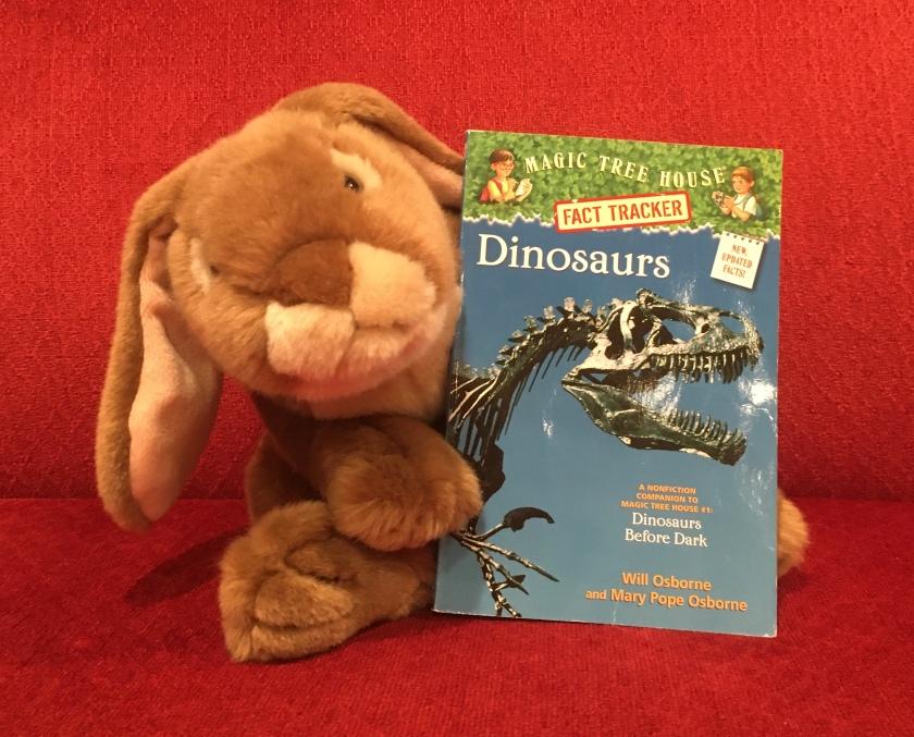 Caramel reviews Dinosaurs (Magic Tree House Fact Tracker #1) by Will Osborne and Mary PopeOsborne.