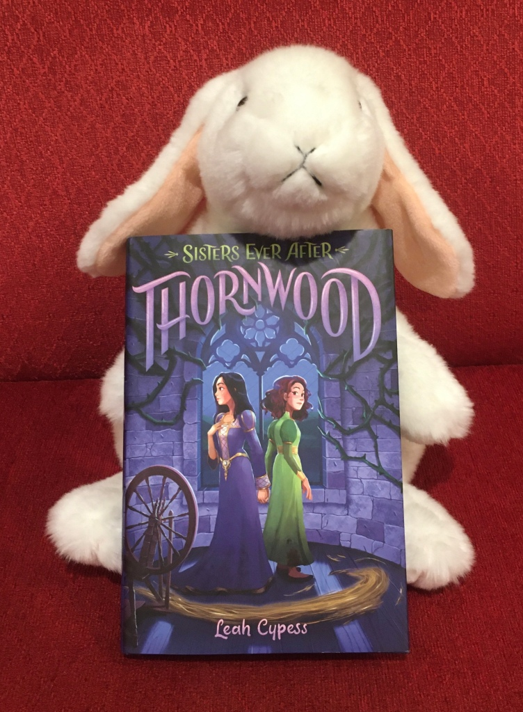Marshmallow reviews Thornwood by Leah Cypess.